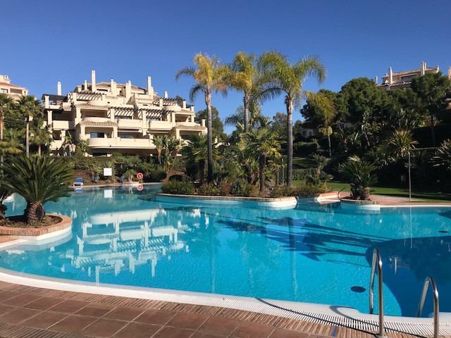 This is a ground floor apartment situated in the ever popular Capanes del Golf urbanisation in Benah, Spain
