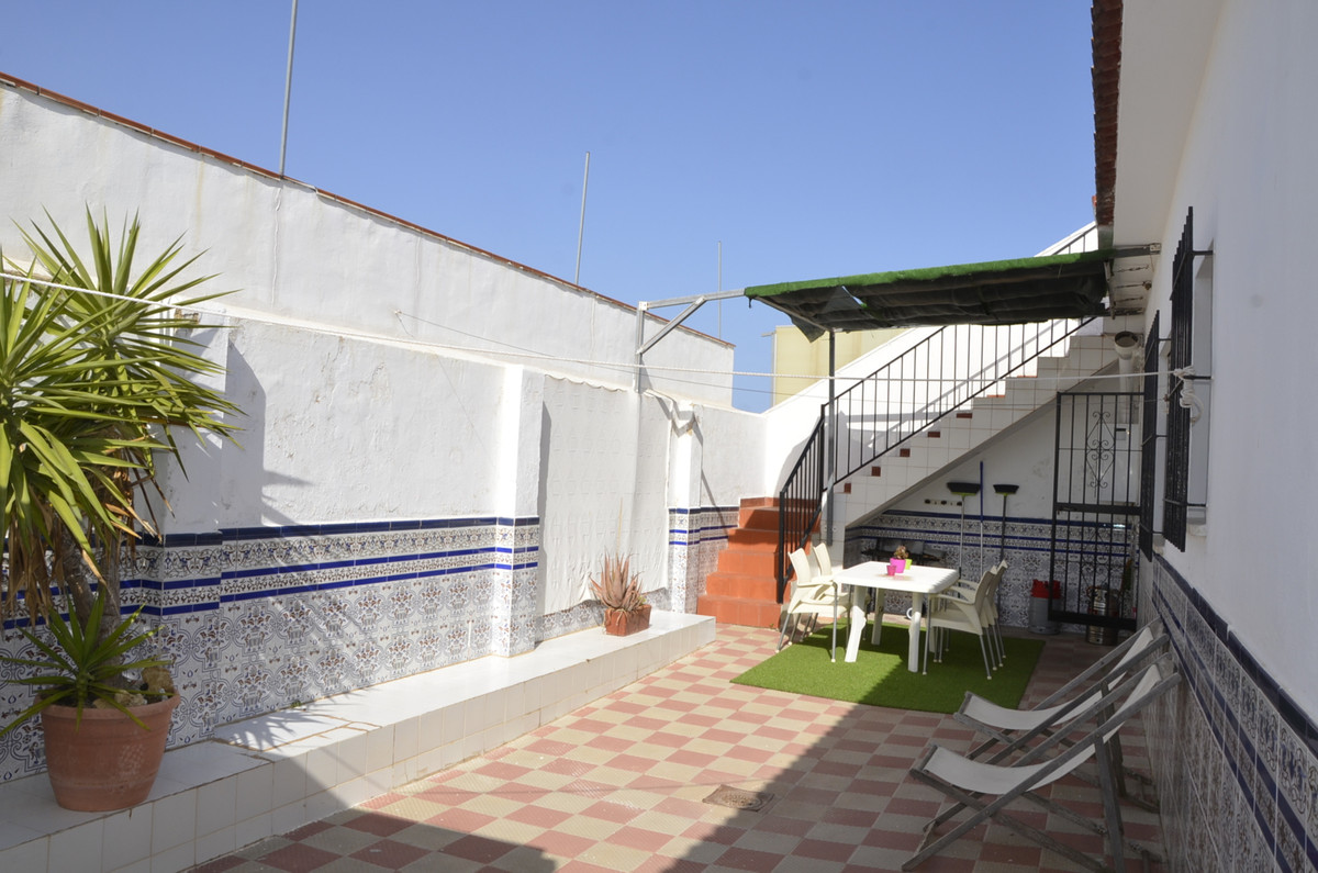 Townhouse, Churriana, Costa del Sol. 4 Bedrooms, 1 Bathroom, Built 72 m².  Setting : Country, Close ,Spain