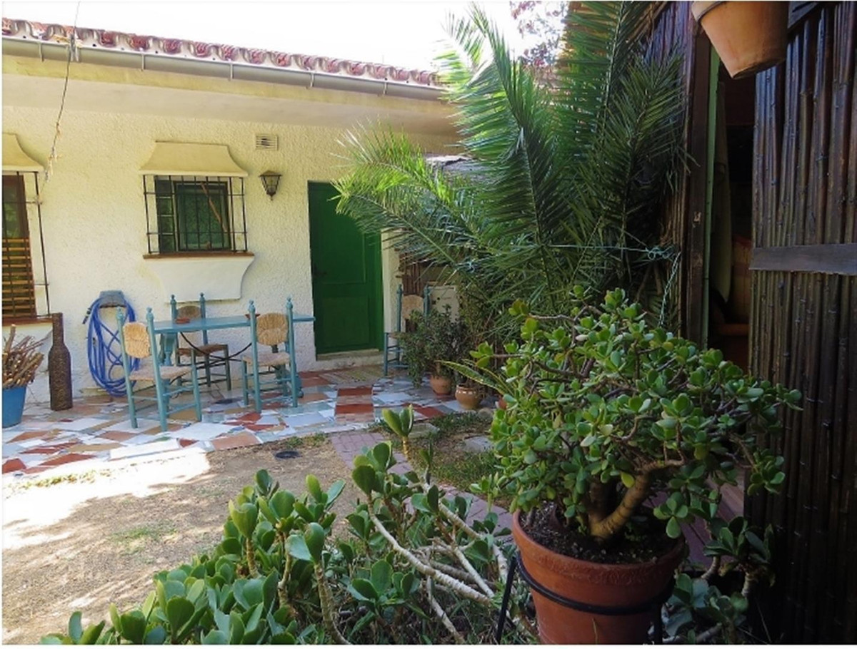 Townhouse, Los Pacos, Costa del Sol. 2 Bedrooms, 1 Bathroom, Built 94 m².  Setting : Close To School, Spain