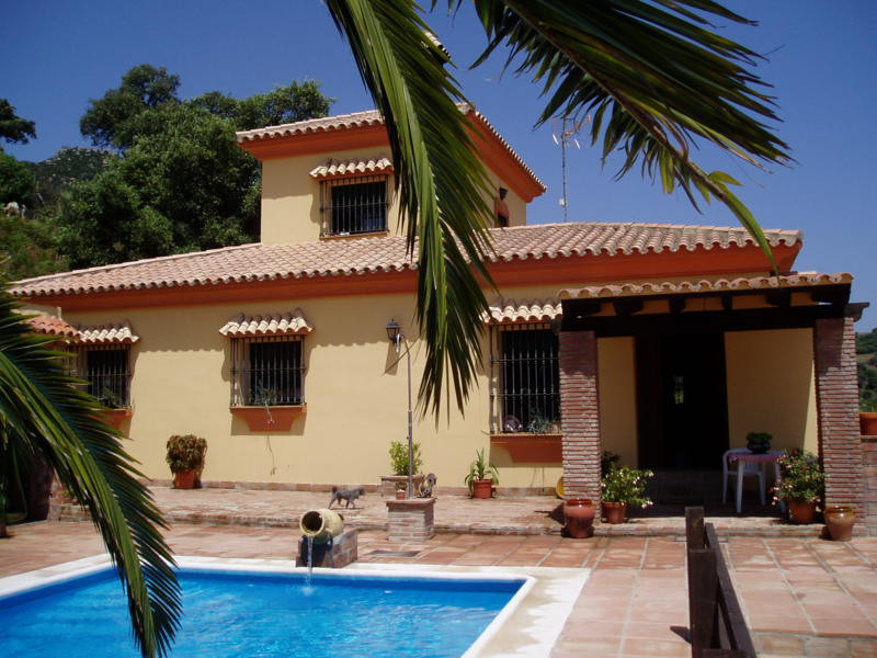 Finca Cortijo with 2900 m2 of land. 209m2 built plus little 140 m2 building for storage. Lovely priv,Spain
