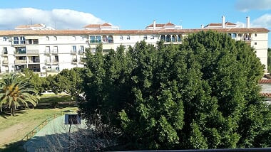 FLAT OF FOUR BEDROOMS AND TWO BATHROOMS WITH GARAGE INCLUDED IN THE PRICE, IN PERFECT CONDITION OF C,Spain
