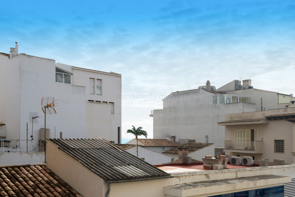In the heart of Puerto Pollensa. Apartment completely renovated on the second floor of a building lo,Spain