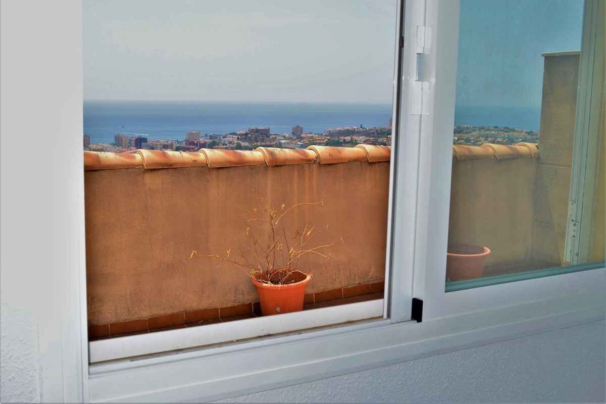 PENTHOUSE ALL IN ONE FLOOR in Benalmadena !!!!!!!. South orientation One minute from the exit of the,Spain