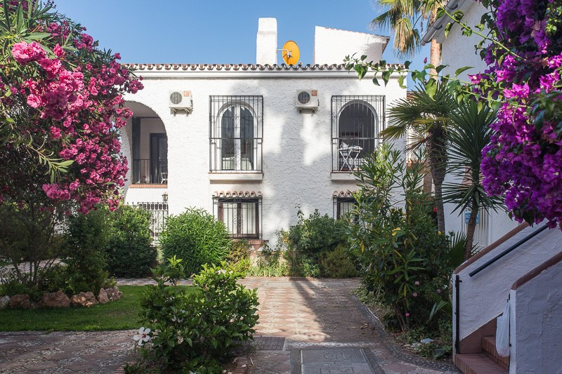 Nice apartment in Torrox Costa, consists of a living/dining room with access to a balcony, a modern ,Spain