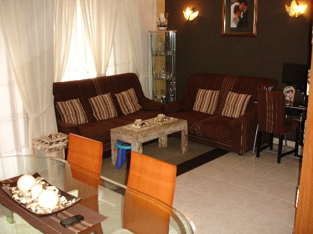For sale nice floor comprises entrance hall, lounge - dining room with fireplace, fitted kitchen, 3 , Spain