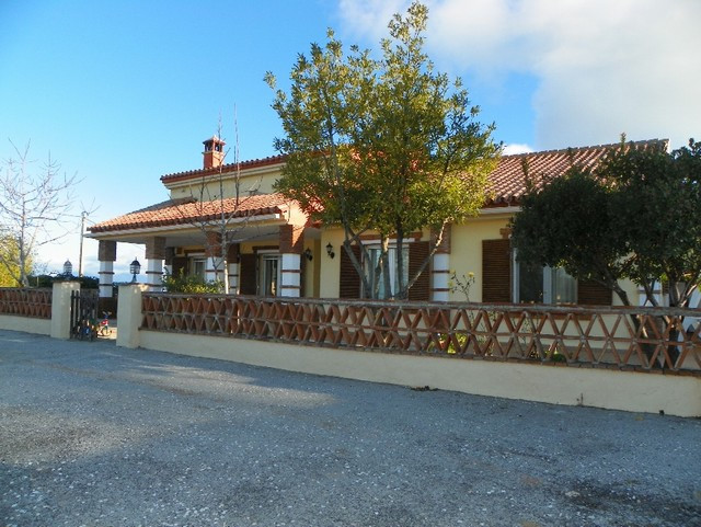 This very nice villa located on the upper part of the picturesque white village of Ojen enjoys 360� , Spain