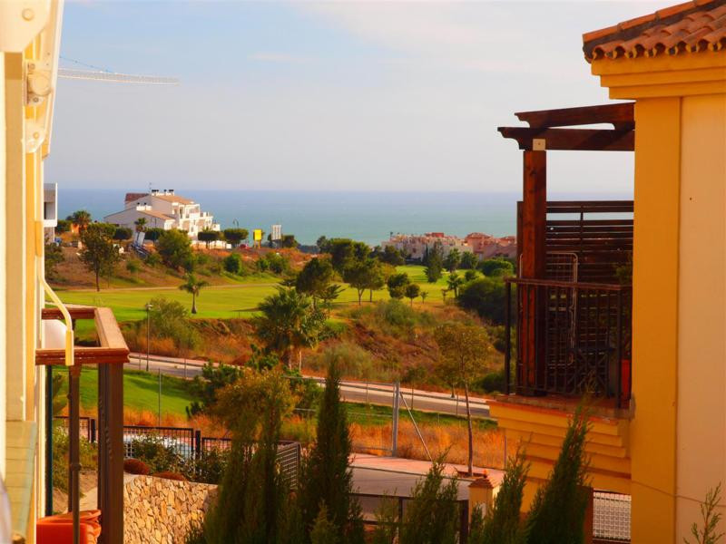 Nice apartment with panoramic views of the sea and the mountains in Torre del Mar. The House is loca, Spain