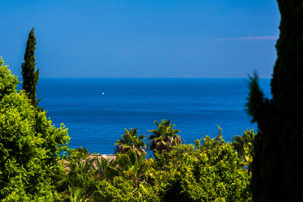 Penthouse in Marbella Real (Golden mile), 150m walking to the beach  It´s one of the best areas in M,Spain