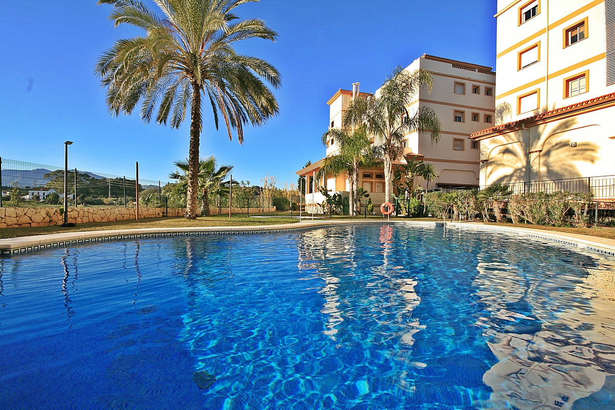 Spacious and bright! 2 bedroom apartment with large south facing garden, ideal for children, pets an, Spain