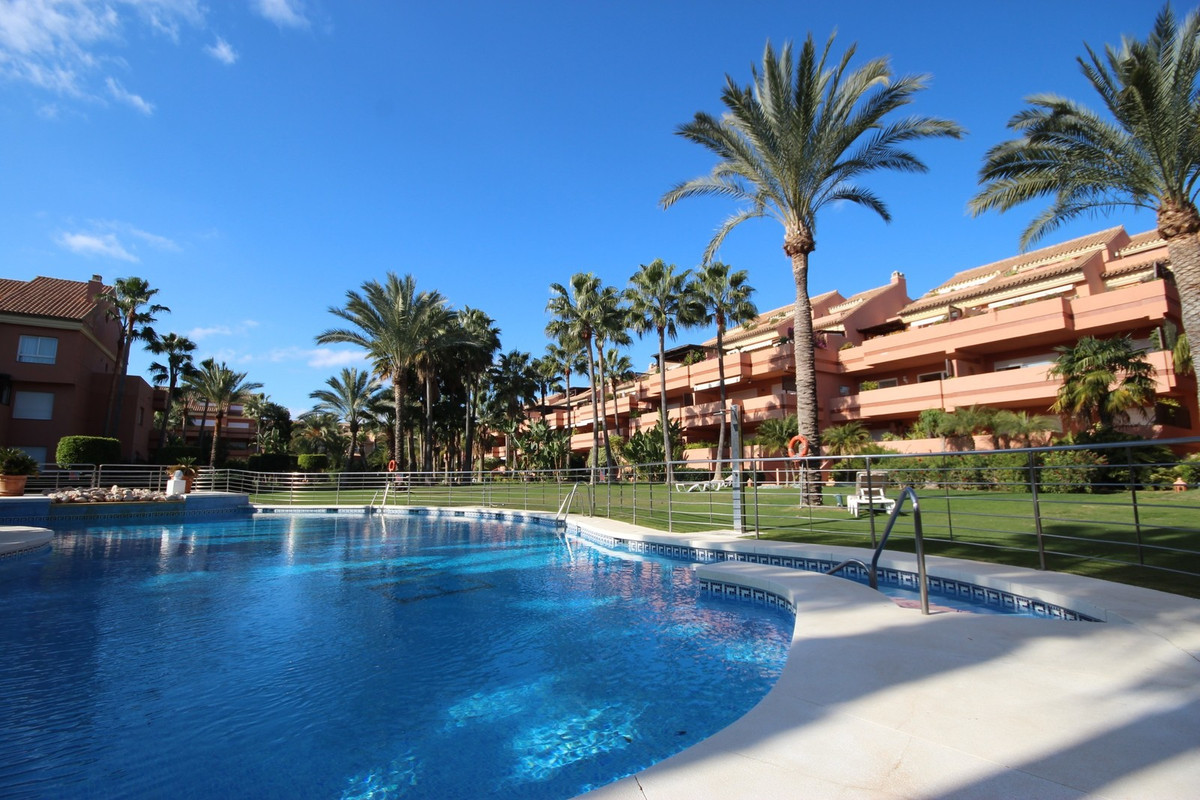 Beautiful and spacious apartment in a amazing  urbanization in Puerto Banus. The property consists oSpain