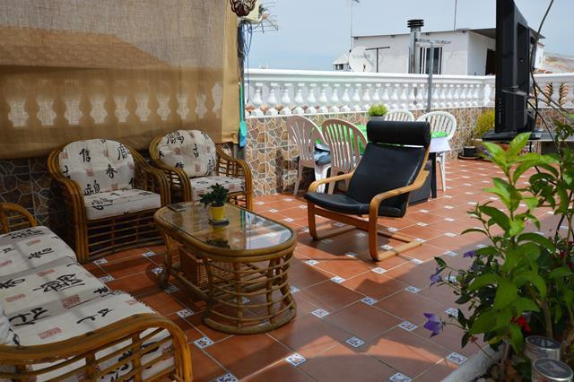 Situated the popular Town of Alhaurin El Grande you will find this quaint Townhouse in immaculate co,Spain
