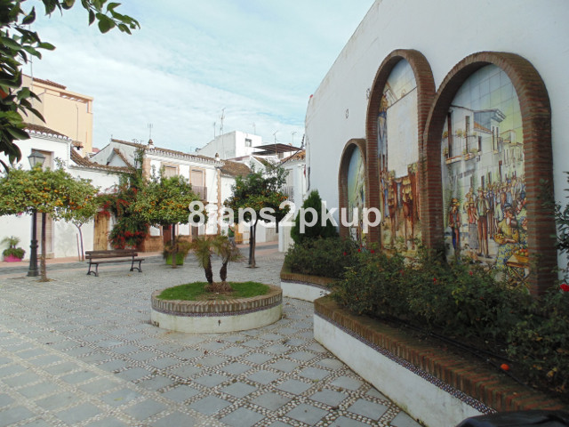 Potential property in the OLD TOWN centre of Estepona, excellent location, Costa del Sol. First floo, Spain