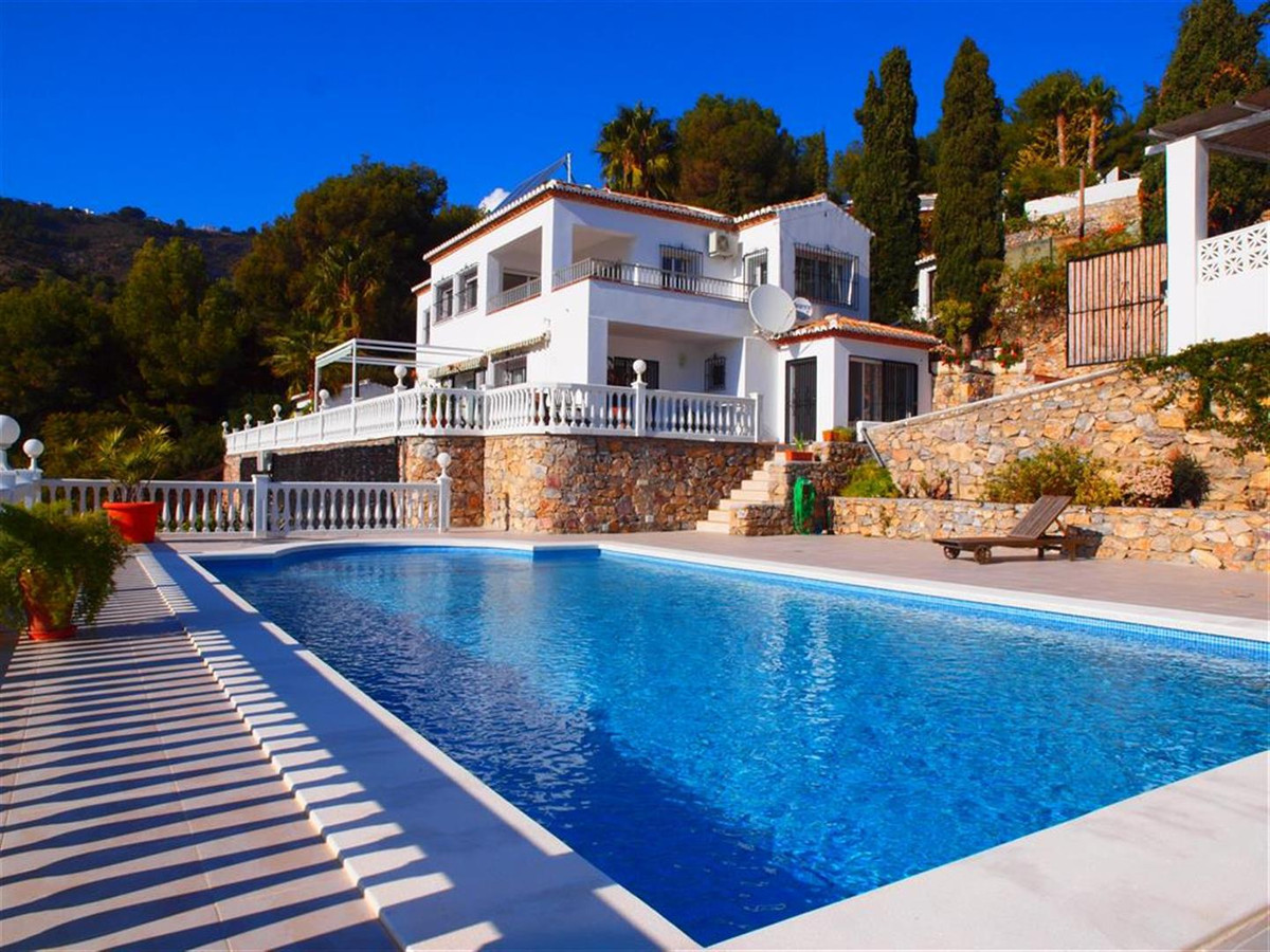 This Villa is located in La Herradura, just five minutes from the beach, you can enjoy wonderful vie, Spain