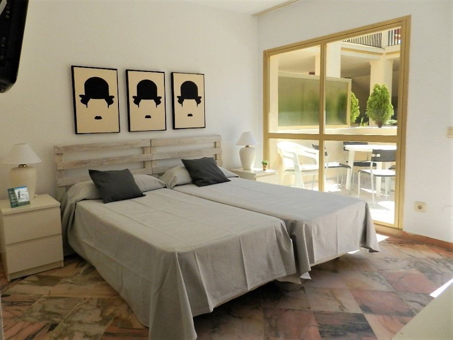 Frontline Beach Complex Studio / Apartment Located in prestigious Elviria close to all the amenities, Spain