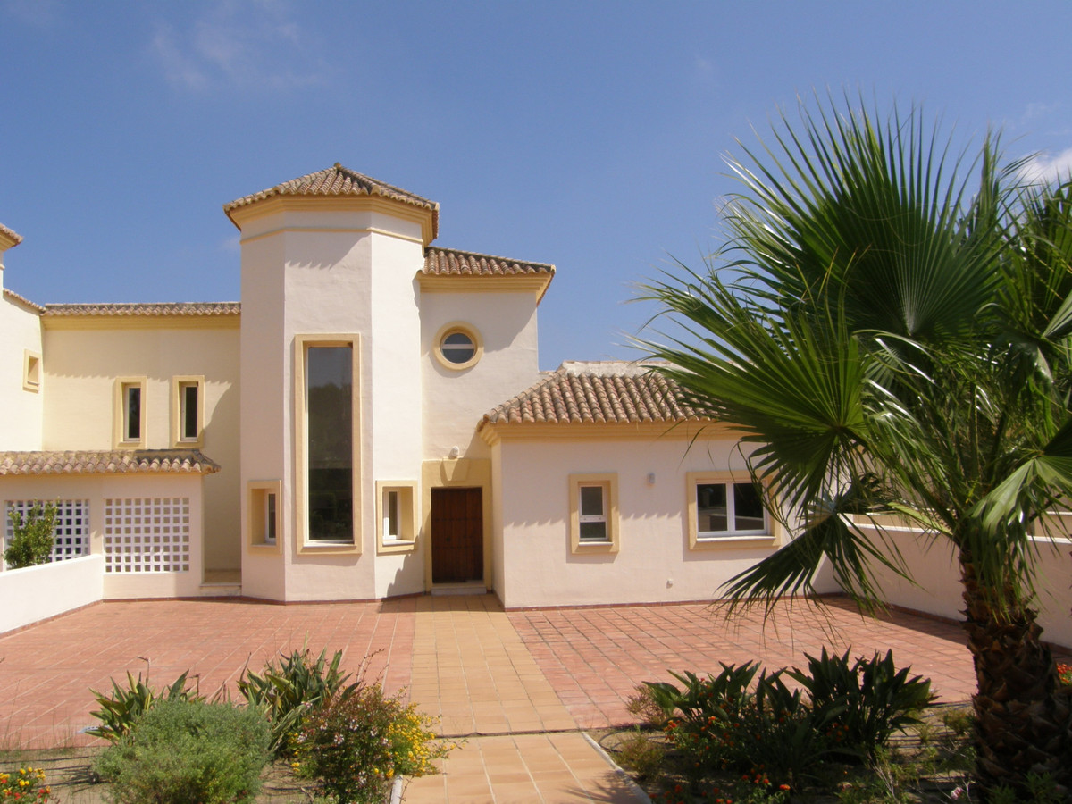 San Roque Golf: Very large 4 bedroom 4 bathroom penthouse with panoramic views to the sea. Living di, Spain