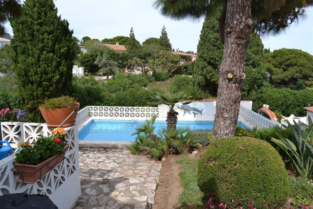 Charming quirkey little house located in El Chaparral, walking distance to the sea.  The Villa has t,Spain