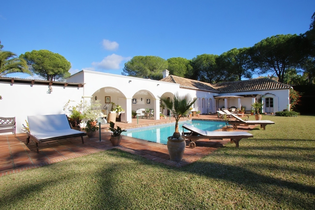 A great opportunity to buy a very pretty and secluded rustic south facing three bedroom, villa in PaSpain