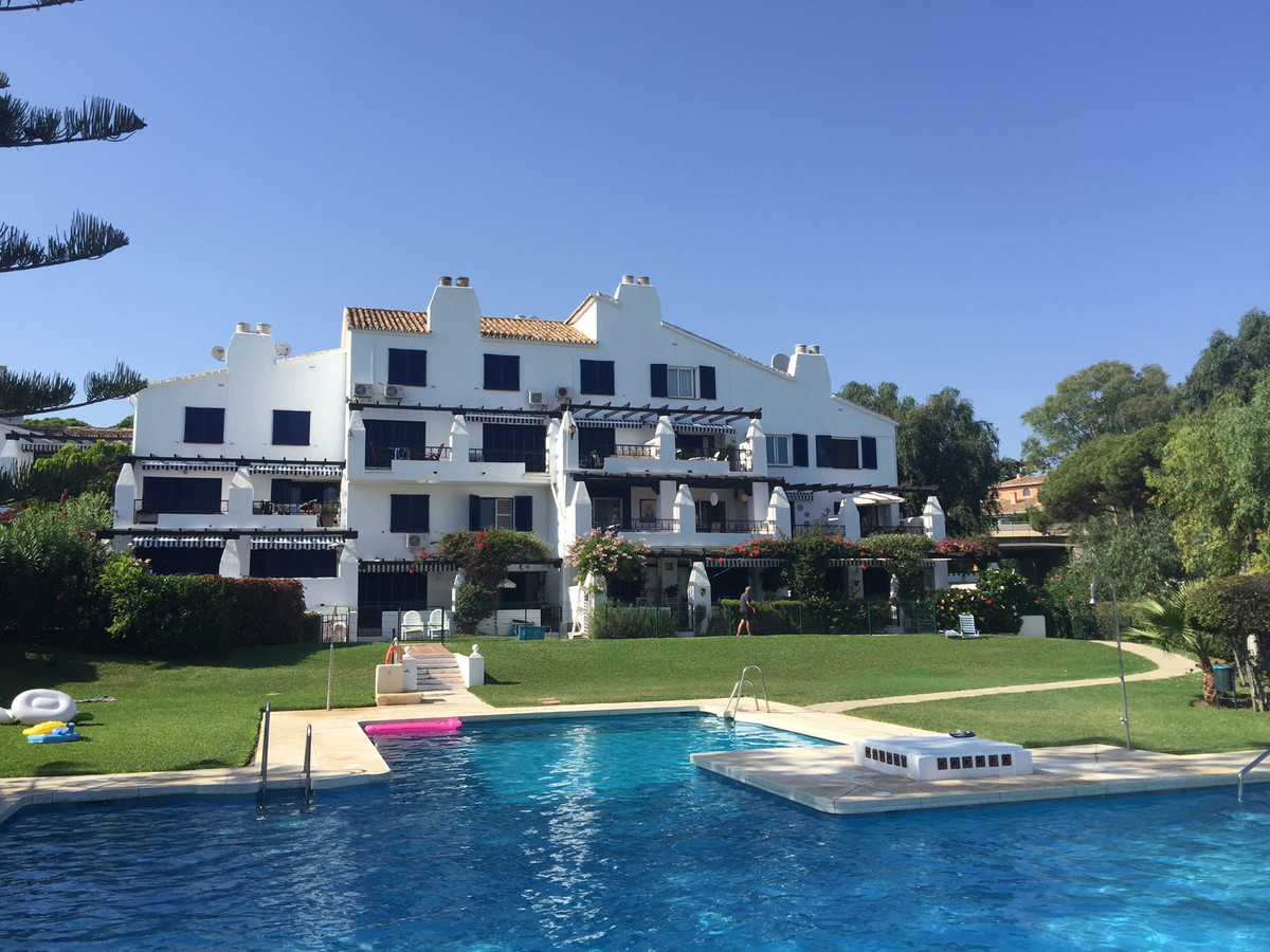 Frontline beach duplex apartment inside a gated complex in Calahonda, walking distance to supermarke, Spain