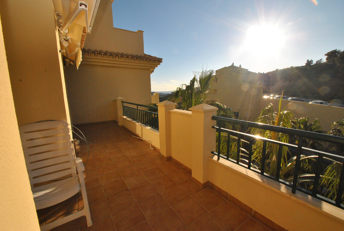 An unbeatable price for this large two bedroom apartment in the popular Finca Dona Maria complex in ,Spain