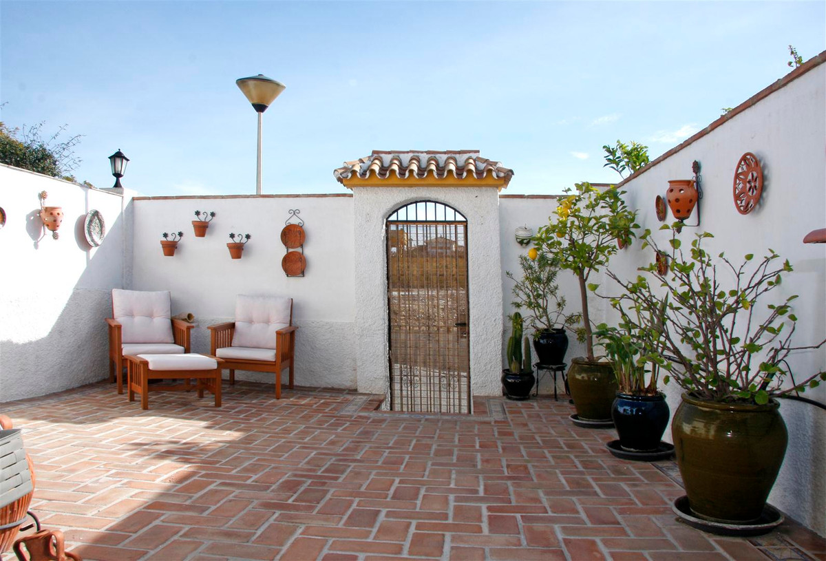 Great townhouse with 2 terraces and 2 bedrooms in Montealto, Benalmadena. Amazing property located i,Spain