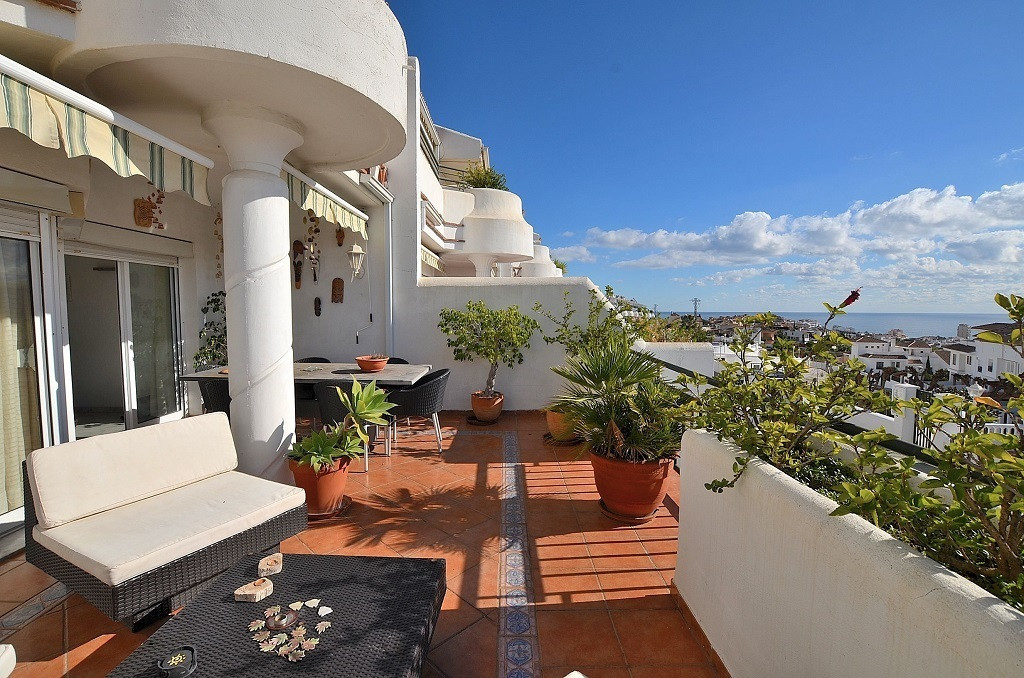 TOWNHOUSE WITH NICE SEA VIEWS located in Benalmadena Costa, in a private urbanization. Sunny and bri,Spain