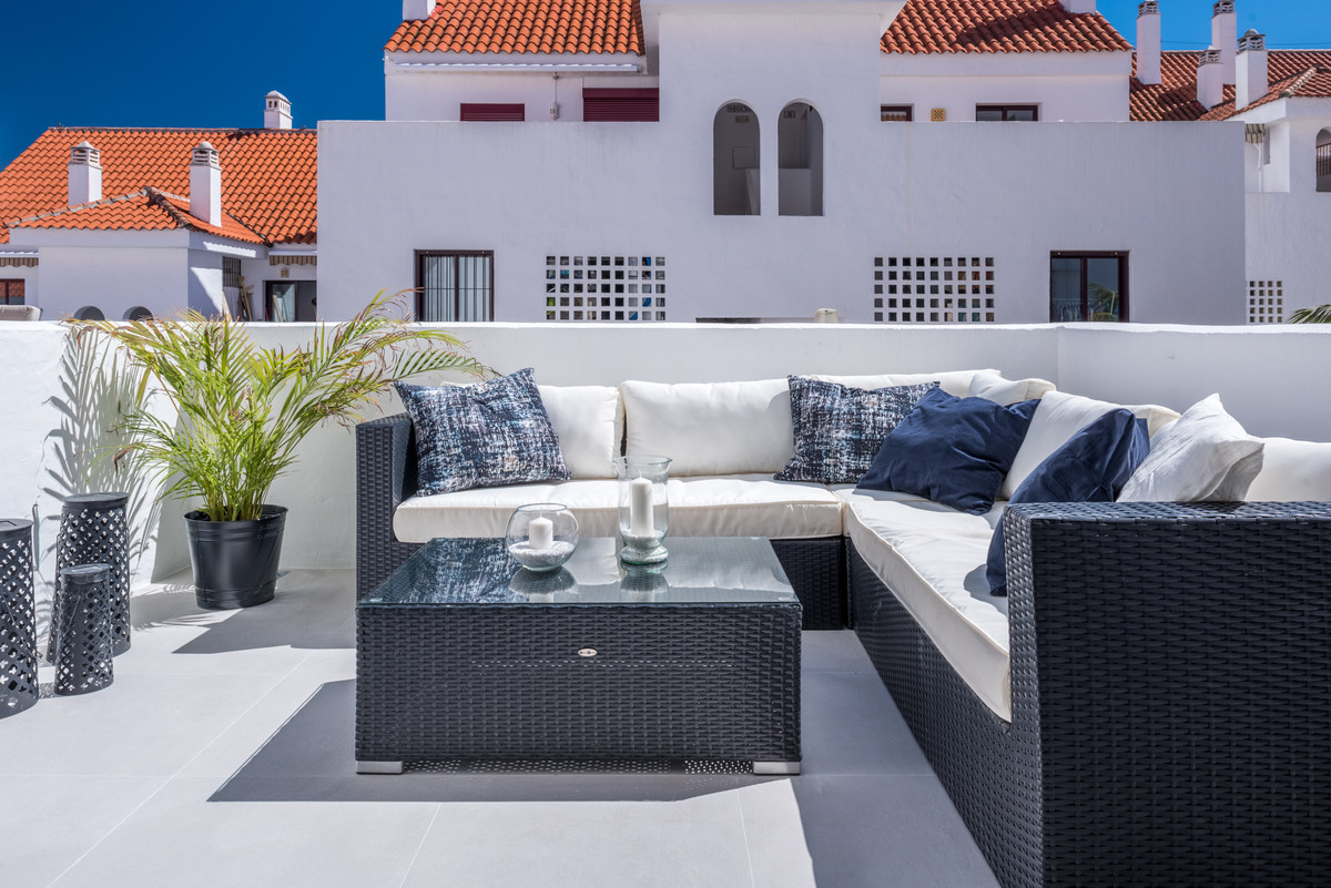 Renovated apartment in La Maestranza with 3 bedrooms and 2 bathrooms.  The apartment have been fully,Spain