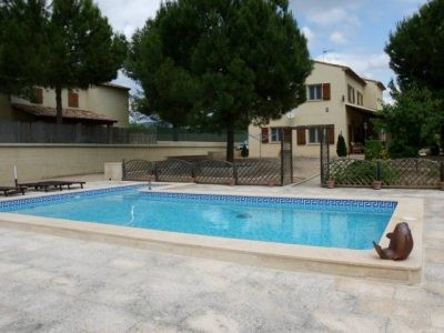 Immaculately maintained detached villa in the desirable area of Helios, just 4KM out of Ontinyent. A,Spain