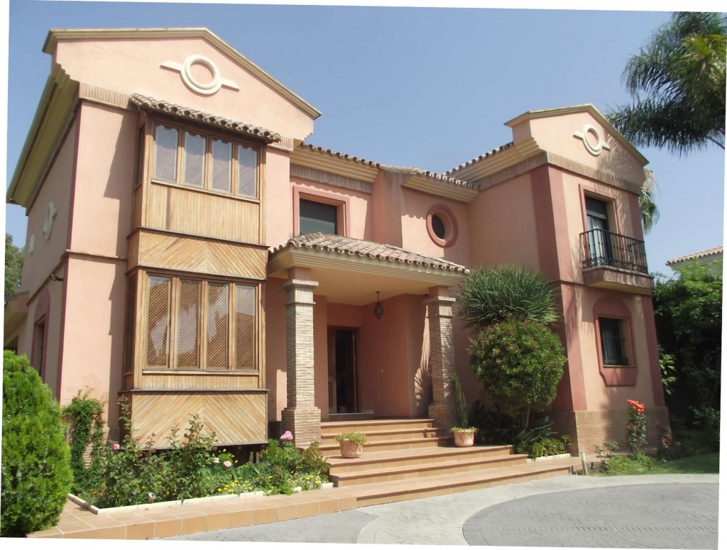 A stunning spacious villa in an excellent location close to all the amenities at Monte Biaritz, Atal, Spain