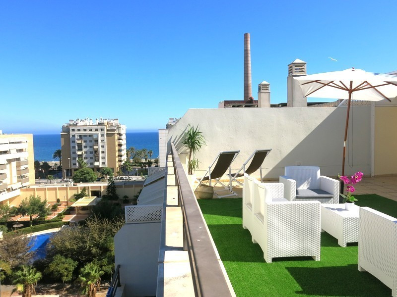 MOTIVATED VENDOR! GREAT LOCATION! Beautiful duplex penthouse with fantastic views to the sea and mou,Spain