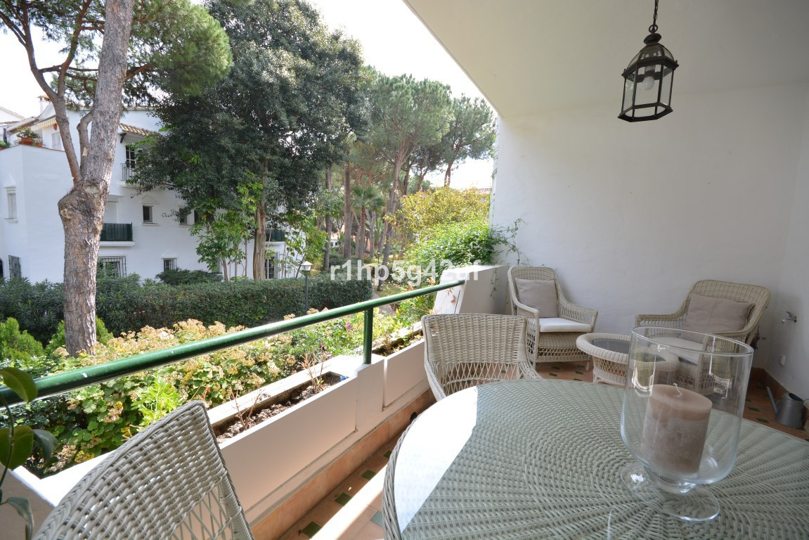 Immaculate 2 bedroom fully renovated apartment in the New Golden Mile between Marbella and Estepona,, Spain