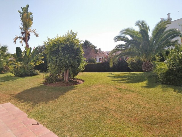 Fantastic opportunity, ground floor to reform, walking everywhere, fantastic views to the garden, 2 ,Spain