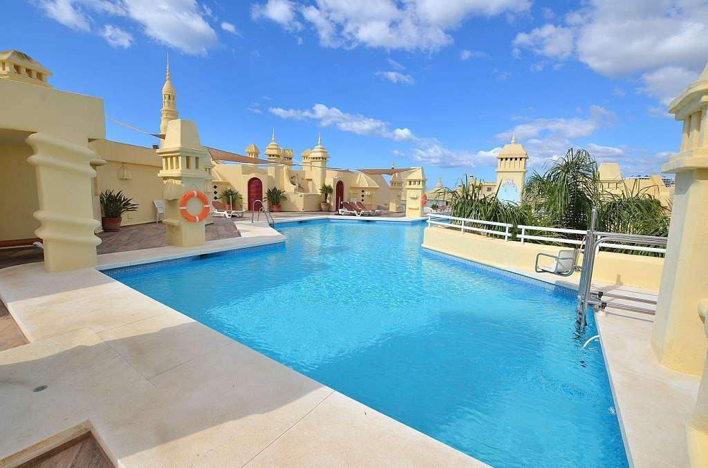 NICE STUDIO located in the famous Puerto Marina islands, in a private complex with security 24 hours,Spain