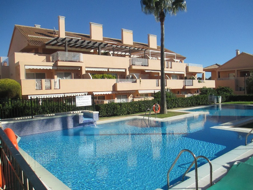 Large ground floor 2bed 2bath apartment in the luxury urbanization of Los Jardines de Santa Maria Go, Spain