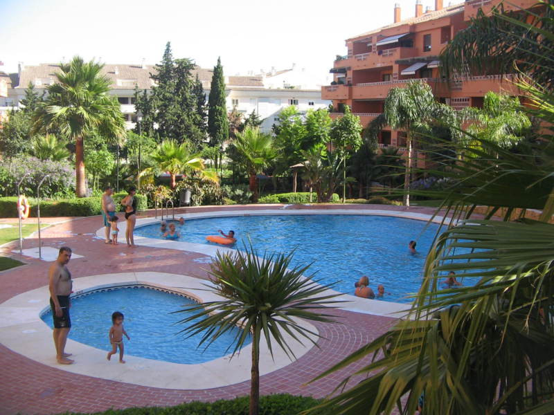 Apartment in Marbella Golden Mile, 136 m2, it has 1 bedrooms, is located in one of the best areas of, Spain