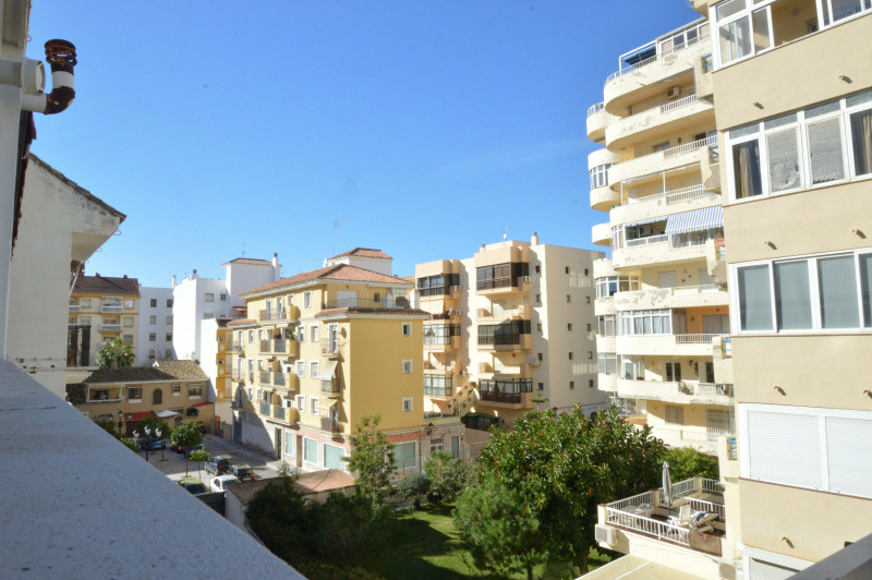 Middle Floor Apartment, Fuengirola, Costa del Sol. 3 Bedrooms, 2 Bathrooms, Built 90 m², Terrace 18 , Spain
