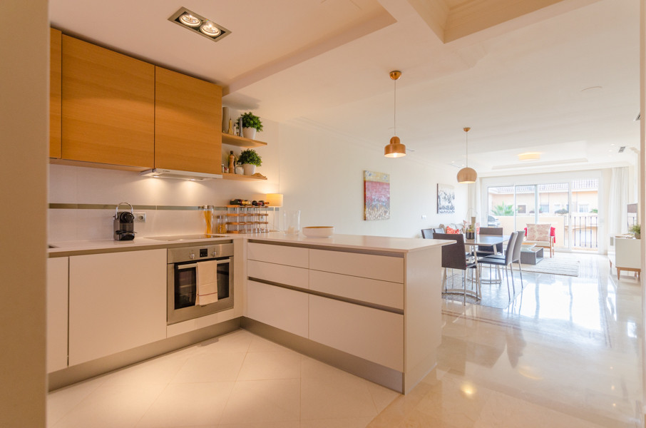 NEW IN THE MARKET!! BEAUTIFUL 2 BEDROOM APARTMENT WITH PANORAMIC VIEWS IN NUEVA ANDALUCIA!!  JUST RE,Spain
