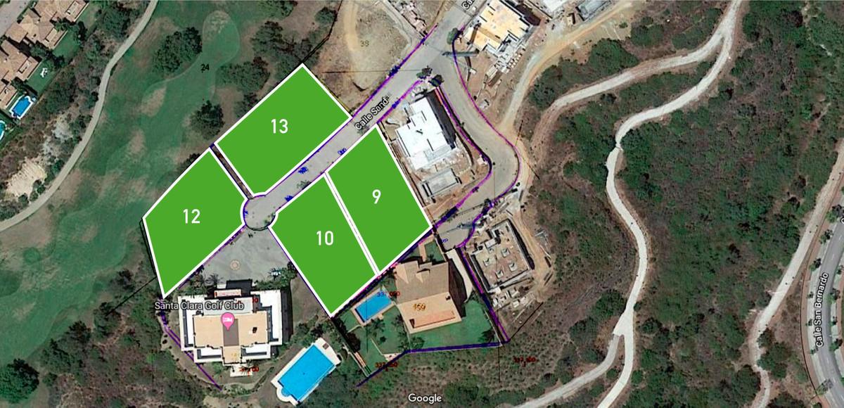 plot on Santa Clara golf near the club house. Maximum buildability 343m2,Spain