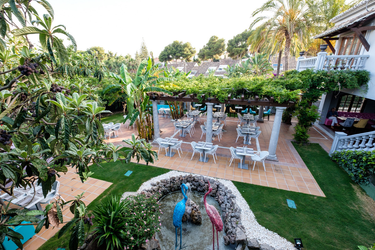Superb modern turn key restaurant in the heart of Nueva Andalucia, close to all amenities and ready ,Spain