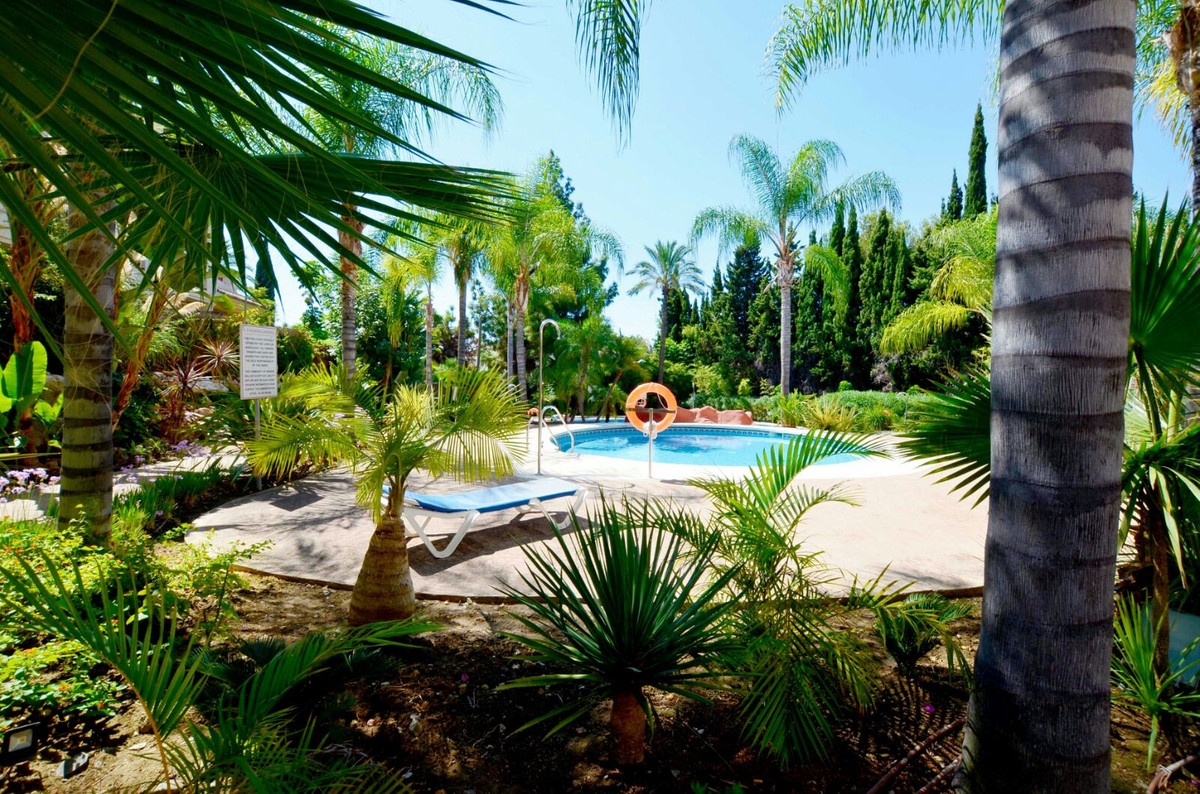 Townhouse, Atalaya, Costa del Sol. 2 Bedrooms, 2 Bathrooms, Built 108 m², Terrace 22 m², Garden/Plot, Spain