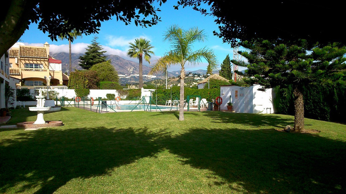 REDUCED PRICE!!! Nice, sunny and corner duplex, situated next to the golf course on a prestigious an,Spain