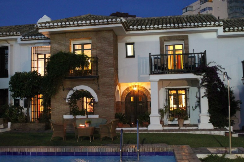 Puebla Lucia is an exclusive residential area in the heart of Fuengirola. A gated �pueblo� providing, Spain