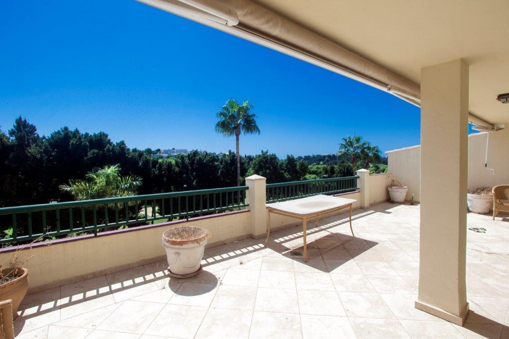 Stunning 2 bedroom 2 bathroom first line golf apartment with huge terrace in a well sought after com, Spain