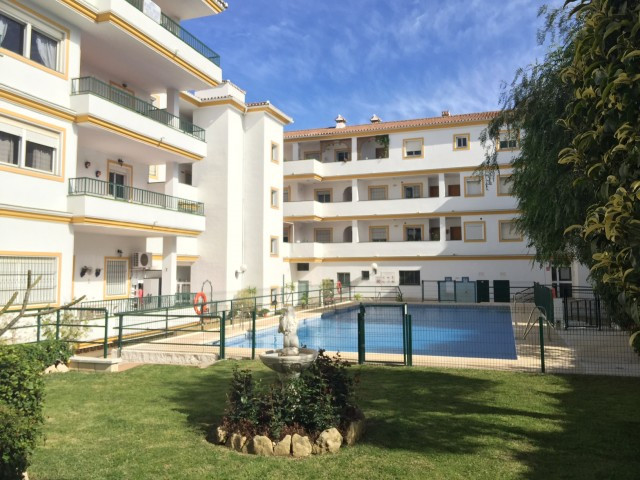 Beautiful penthouse inside a well maintained complex in the heart of the well know village of La Cal, Spain