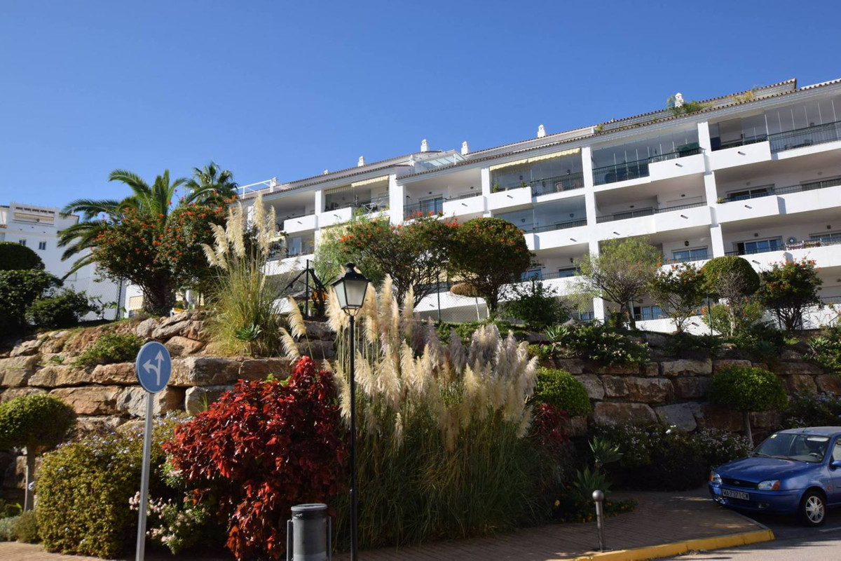 Community fees:110€/month  Great 2 bedroom apartment located in Calahonda, in a gated complex with 2,Spain