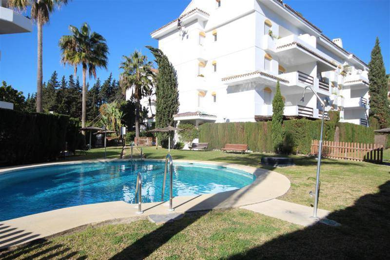 Guadalmina baja, only 300m to the beach. Set in a residential complex, with communal gardens and swi,Spain