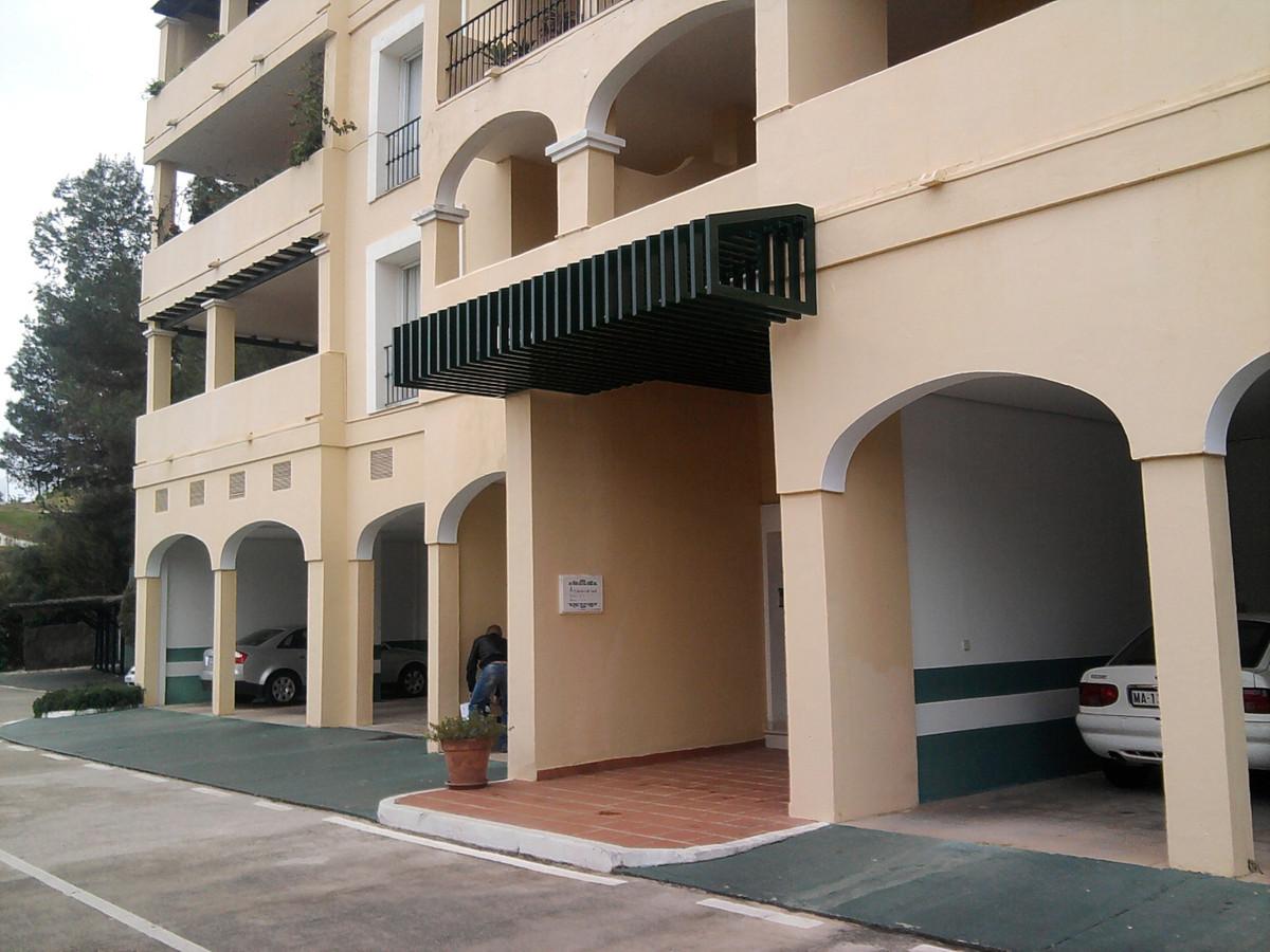 Middle Floor Apartment, La Quinta, Costa del Sol. 3 Bedrooms, 2 Bathrooms, Built 120 m², Terrace 20 ,Spain