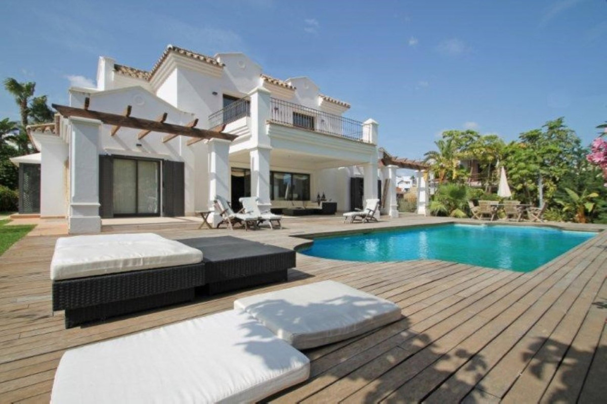 Impressive newly built villa in Golden Mile with 500 built and 1,500 meters plot with pool, a / c, m,Spain