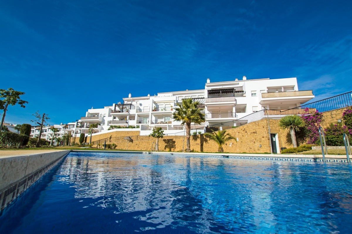 OPPORTUNITY!!!! Bank repossession.  Bright apartment for sale at Riviera del Sol, Marbella East, Cos,Spain