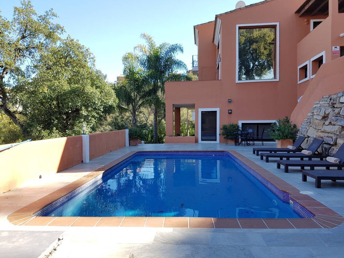 Detached Villa, La Mairena, Costa del Sol. 4 Bedrooms, 4 Bathrooms, Built 295 m², Terrace 66 m², Gar, Spain