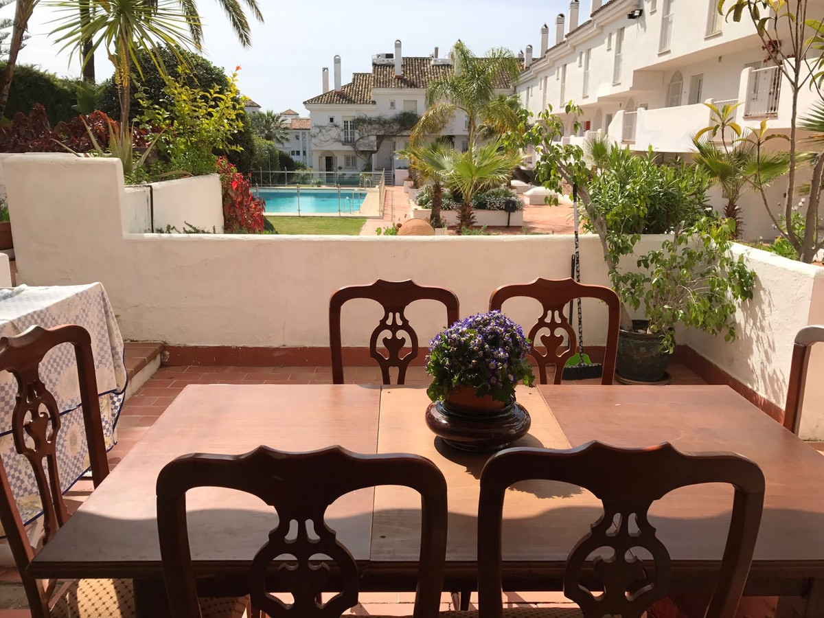 Bright spacious apartment situated in one of the best areas of Costa del Sol - Puerto Banus, just ne, Spain